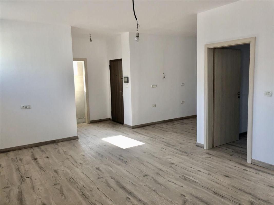 Apartament 2 camere de vanzare zona LUNEI- ID V11 13