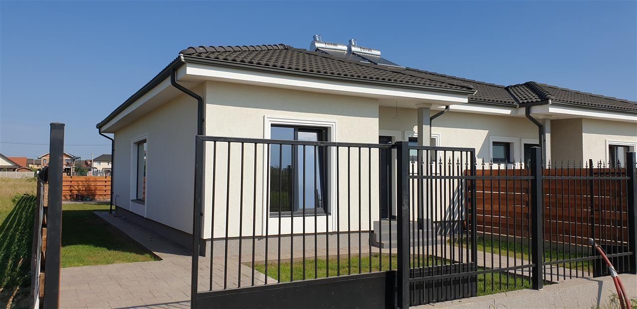 Casa tip duplex 3 camere de vanzare Mosnita Noua - ID V379 2