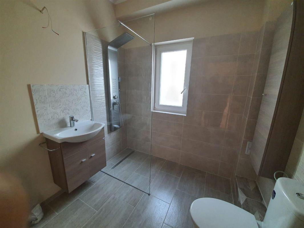 Casa tip duplex 4 camere de vanzare Mosnita Noua - ID V372 8
