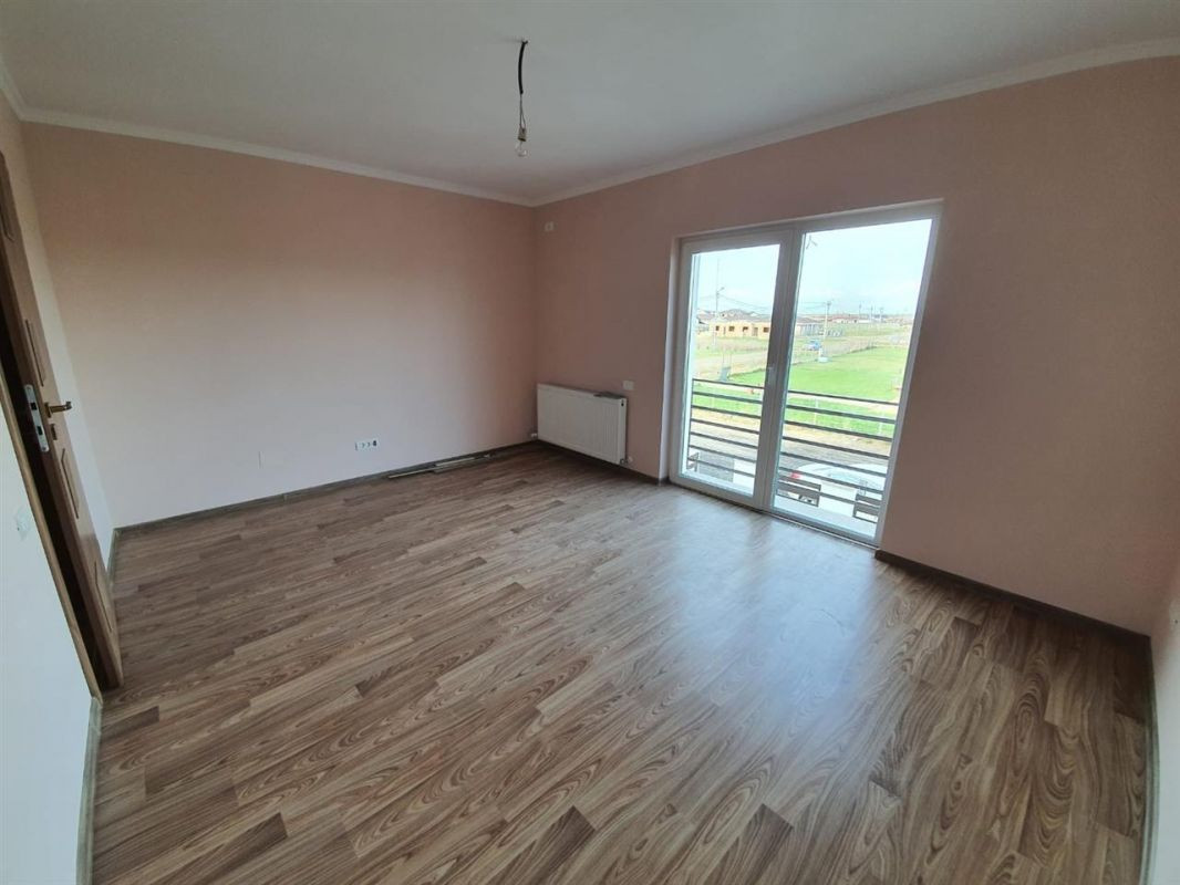 Casa tip duplex 4 camere de vanzare Mosnita Noua - ID V372 14