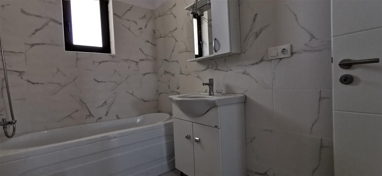 Apartament doua camere la intarea in Localitatea Giroc - ID V489 5