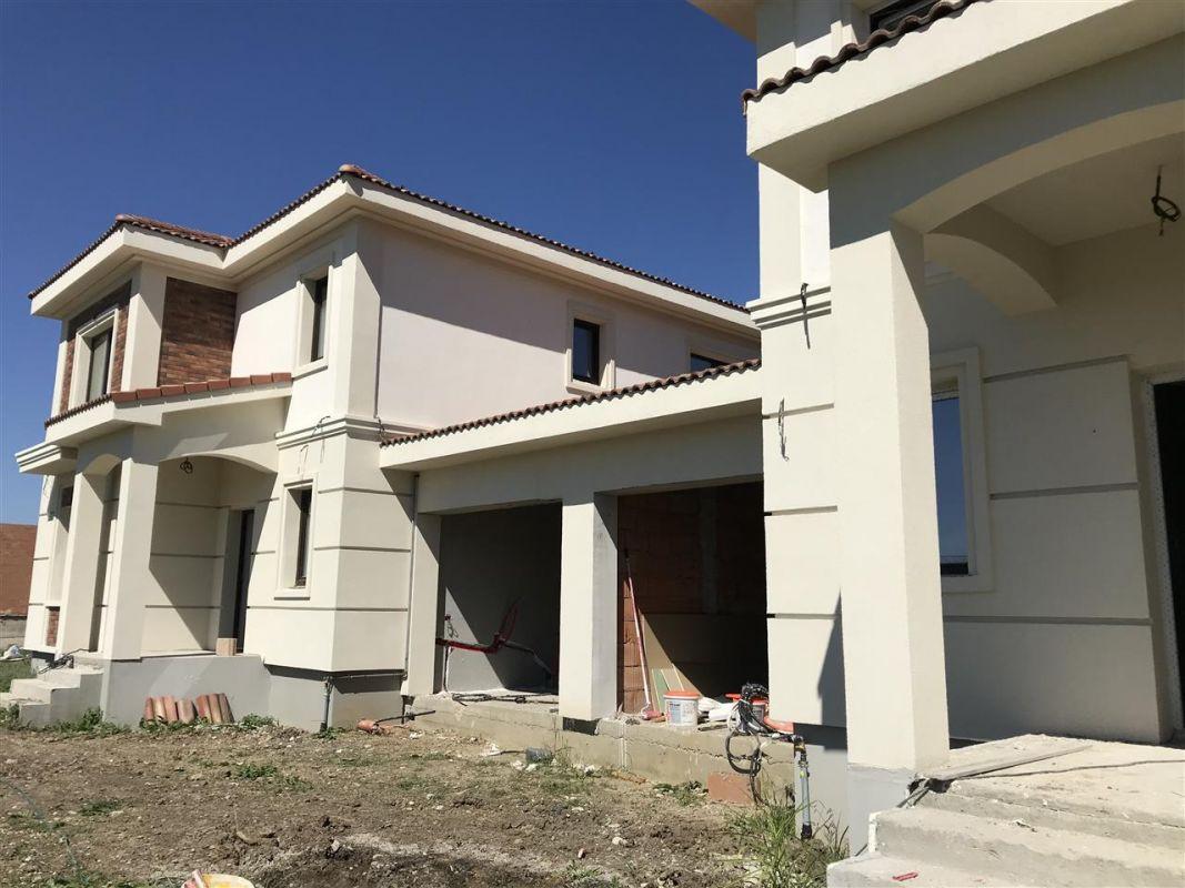Casa cu 5 camere de vanzare plus garaj si pod -zona Dumbravita padure - ID V485 1