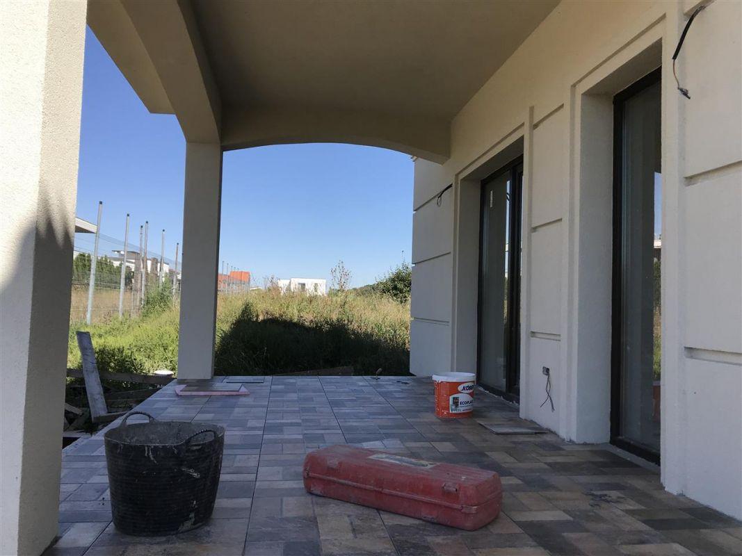 Casa cu 5 camere de vanzare plus garaj si pod -zona Dumbravita padure - ID V485 6