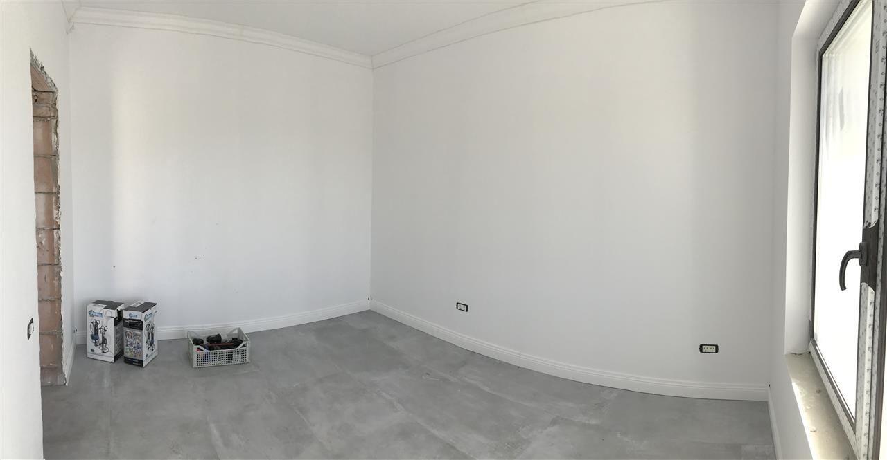 Casa cu 5 camere de vanzare plus garaj si pod -zona Dumbravita padure - ID V485 11