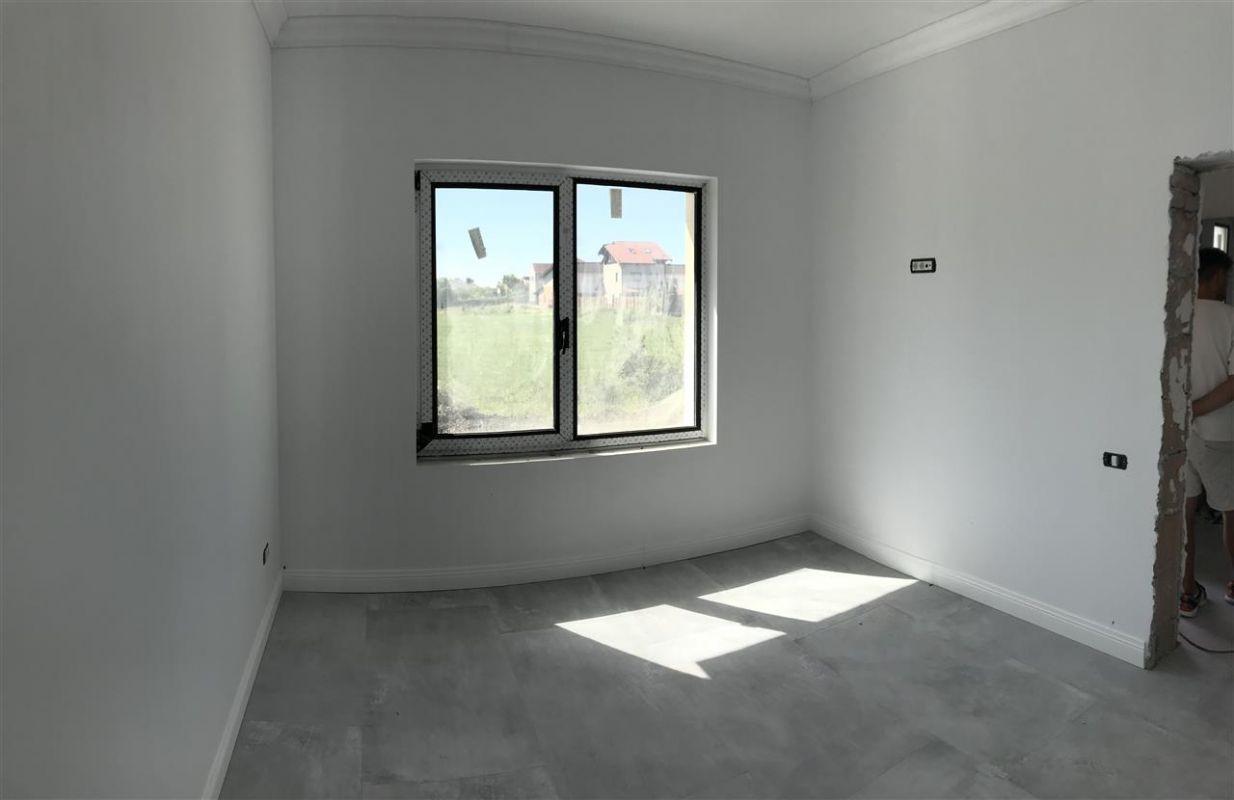 Casa cu 5 camere de vanzare plus garaj si pod -zona Dumbravita padure - ID V485 12