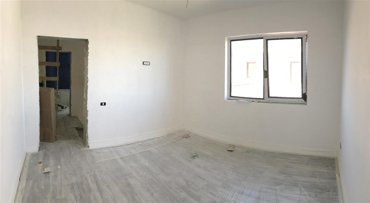 Casa cu 5 camere de vanzare plus garaj si pod -zona Dumbravita padure - ID V485 14