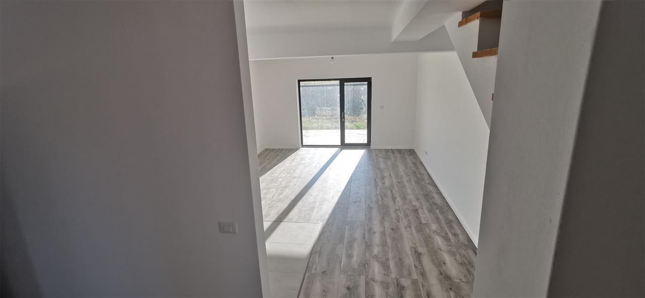 Casa tip Duplex in Ghiroda.Comision 0% - ID V484 14