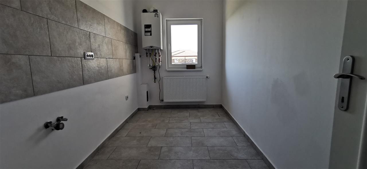 Apartament cu doua camere in vila cu curte comuna in Giroc - ID V483 6