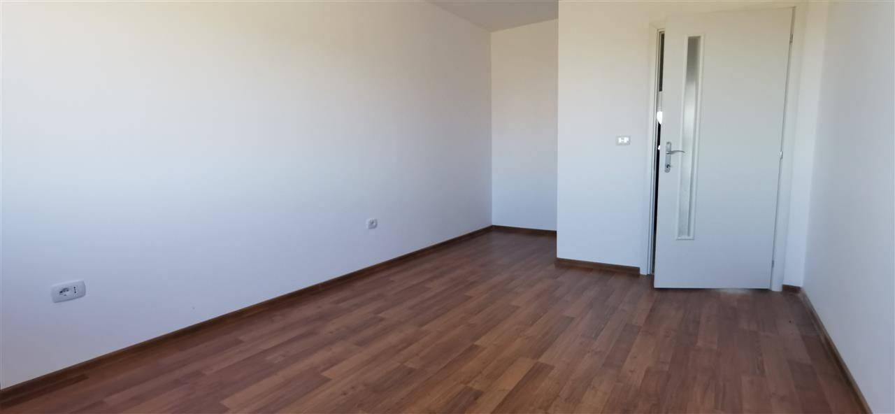 Apartament cu doua camere in vila cu curte comuna in Giroc - ID V483 8