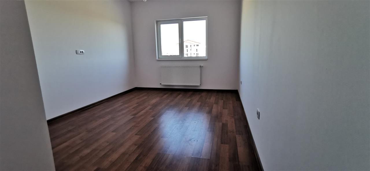 Apartament cu doua camere in vila cu curte comuna in Giroc - ID V483 9