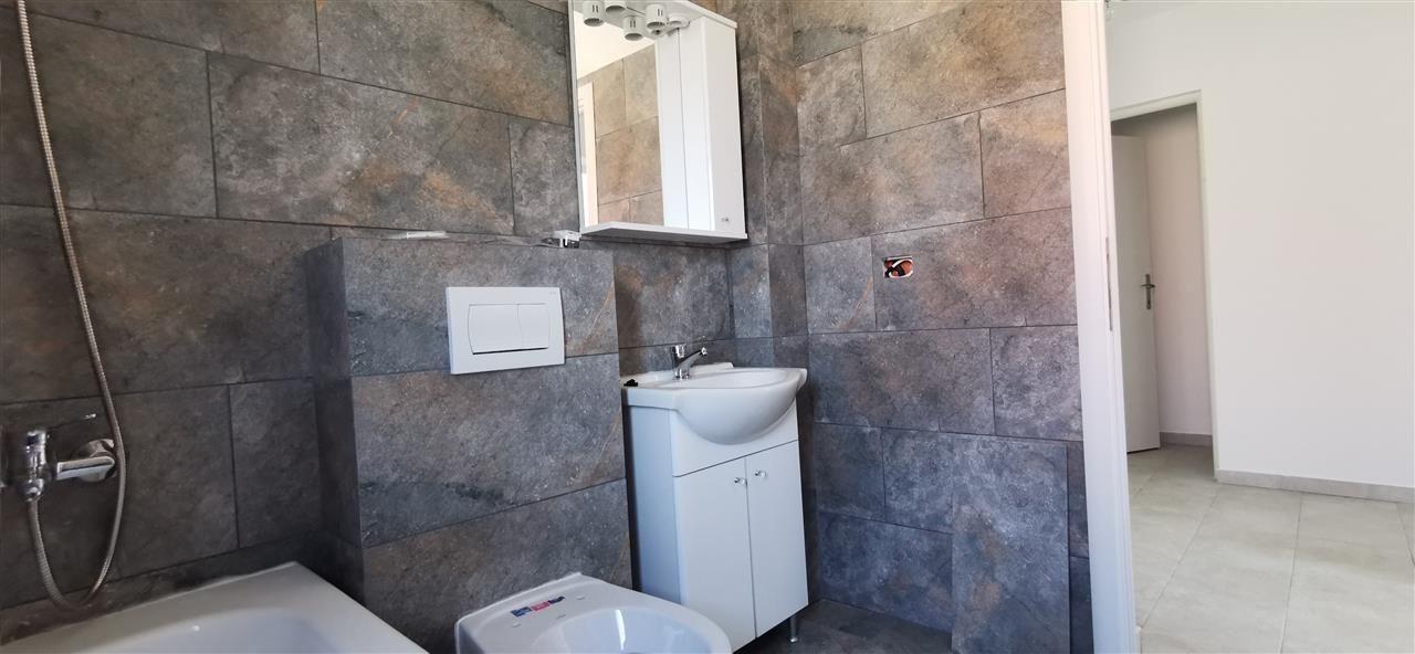 Apartament cu doua camere in vila cu curte comuna in Giroc - ID V483 10