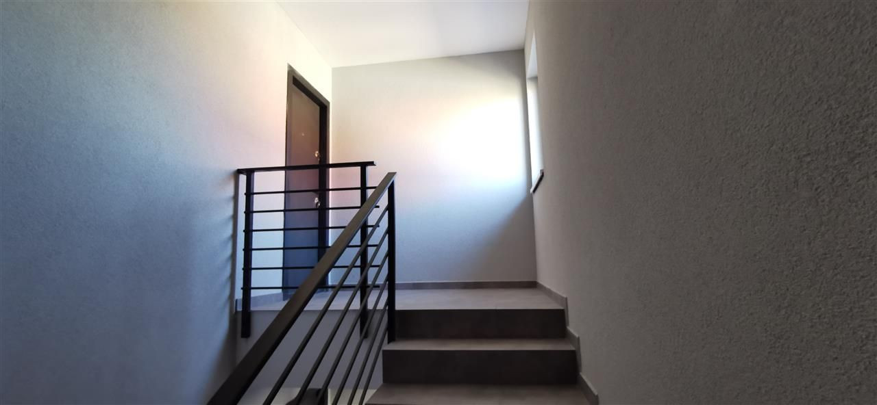 Apartament cu doua camere in vila cu curte comuna in Giroc - ID V483 11