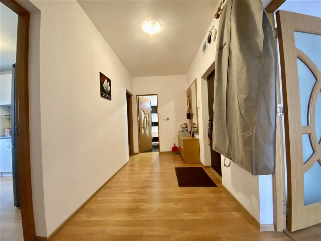 Apartament 3 camere, decomandat, PLAVAT II - ID C479 3
