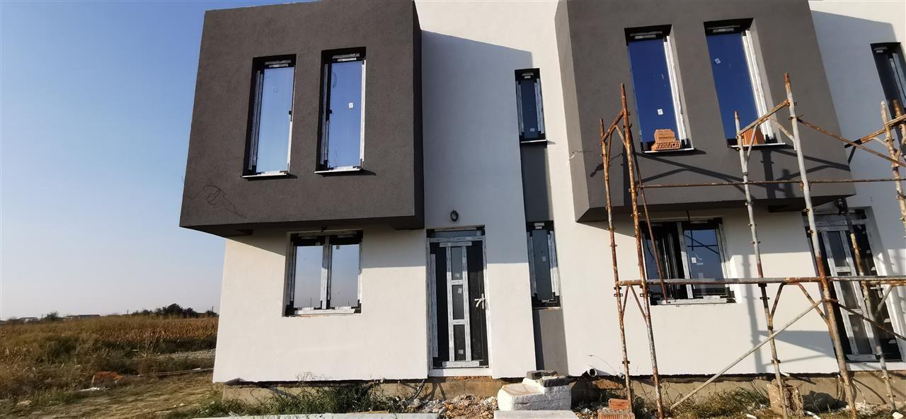 Casa cu design modern in complex rezidential-Giroc - ID V509 13