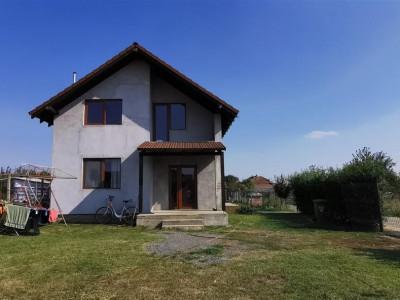 Casa individuala in Giarmata, strada asfaltata. - ID V508