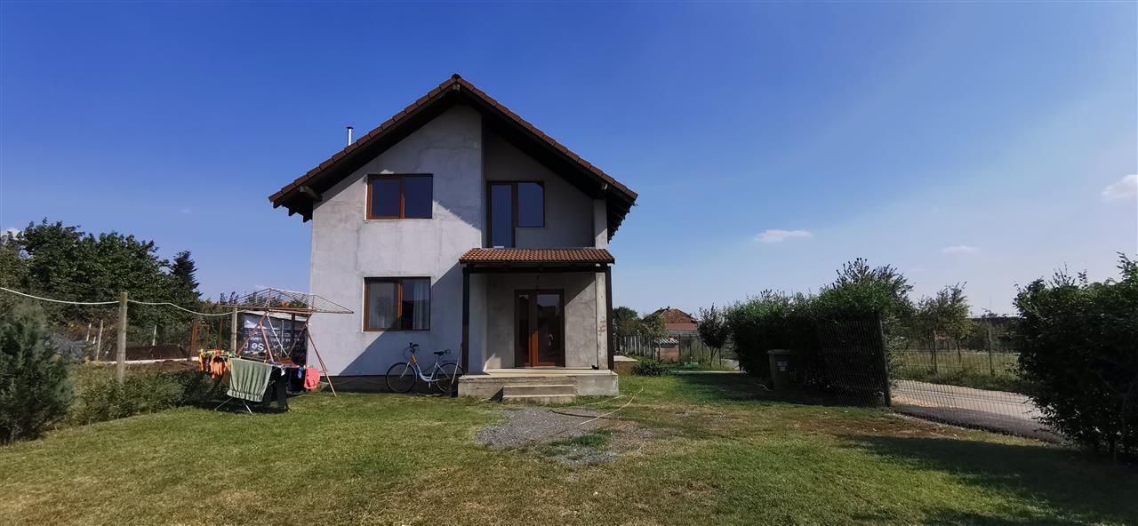 Casa individuala in Giarmata, strada asfaltata. - ID V508 5