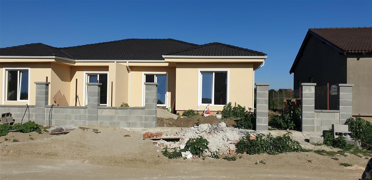 Casa tip duplex 3 camere de vanzare Mosnita Noua - ID V370 2