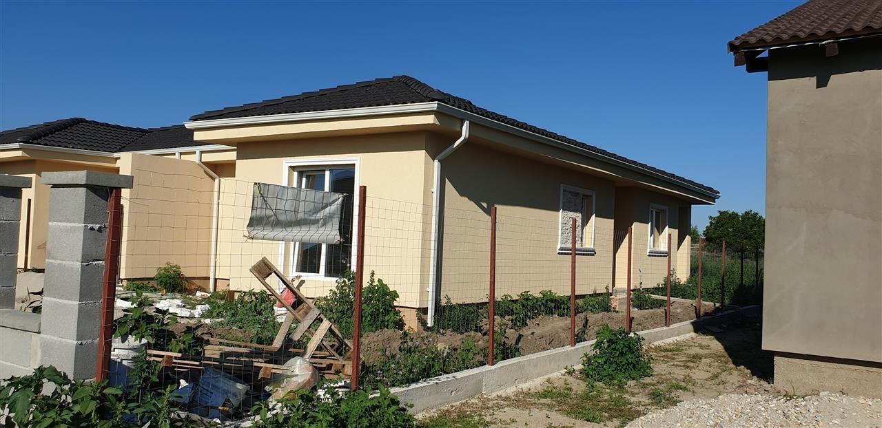 Casa tip duplex 3 camere de vanzare Mosnita Noua - ID V370 3