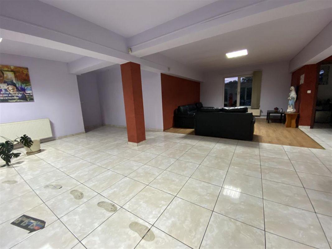 Spatiu comercial / depozitare + birouri la etaj - ID C507 3