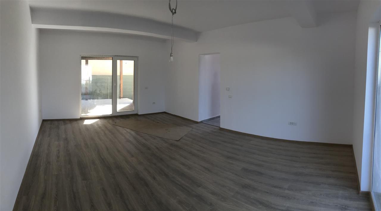 Casa tip duplex cu 4 camere de vanzare zona Dumbravita - ID V503 2