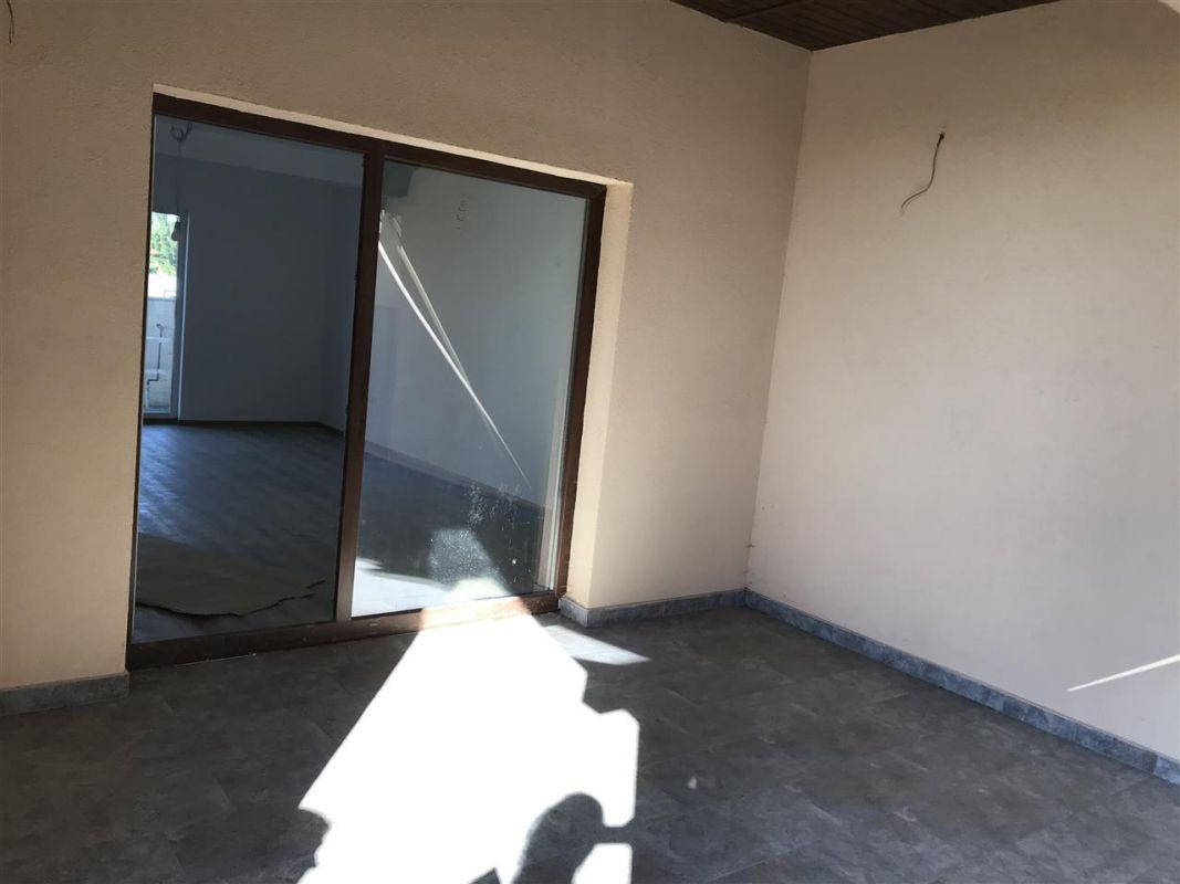 Casa tip duplex cu 4 camere de vanzare zona Dumbravita - ID V503 5