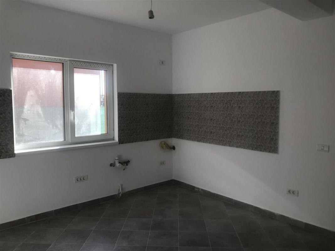 Casa tip duplex cu 4 camere de vanzare zona Dumbravita - ID V503 7