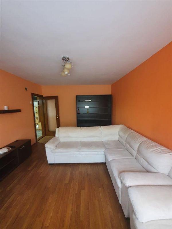 De inchiriat apartament cu 3 camere Aradului - ID C502 1