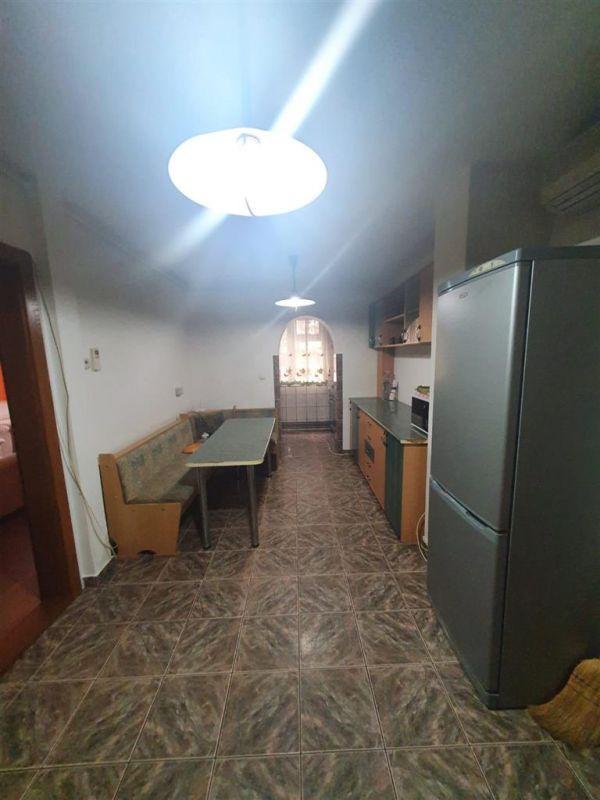 De inchiriat apartament cu 3 camere Aradului - ID C502 4