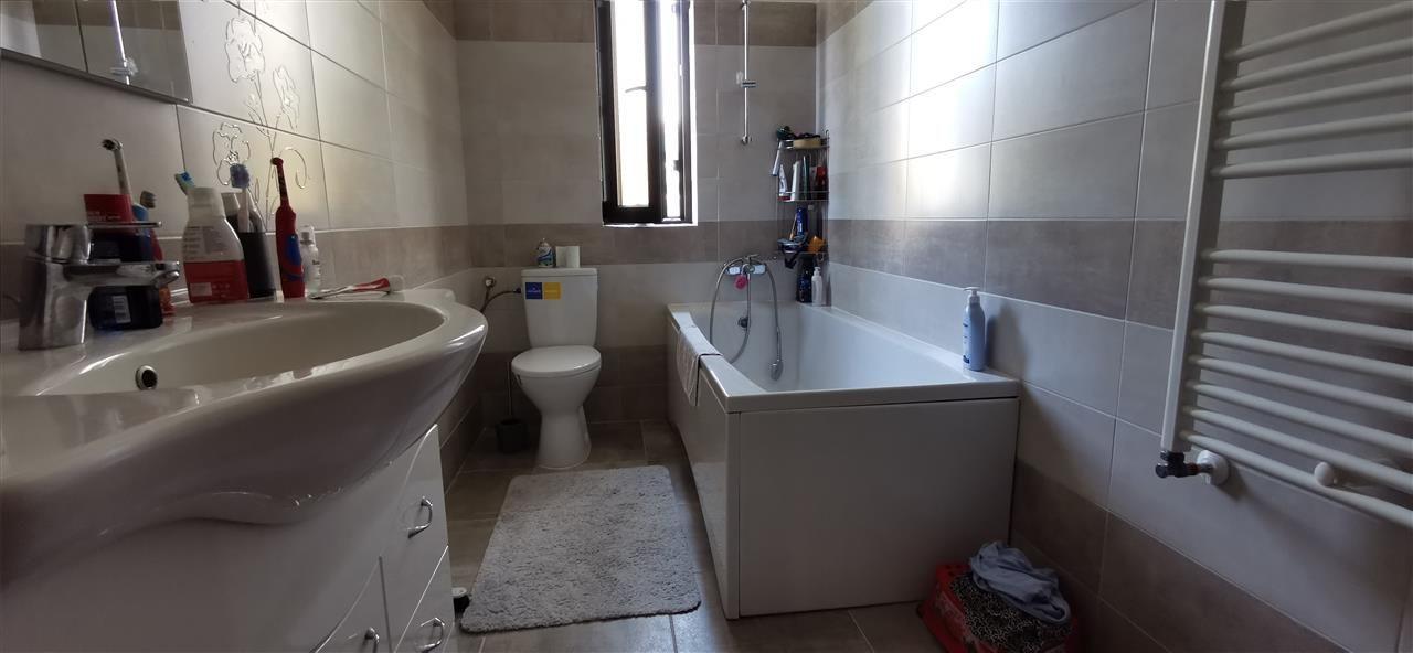 Casa-stil englezesc-in Giroc mobilata - ID V496 13