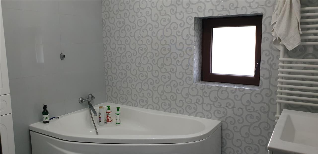 Casa tip duplex 4 camere de vanzare - ID V364 9
