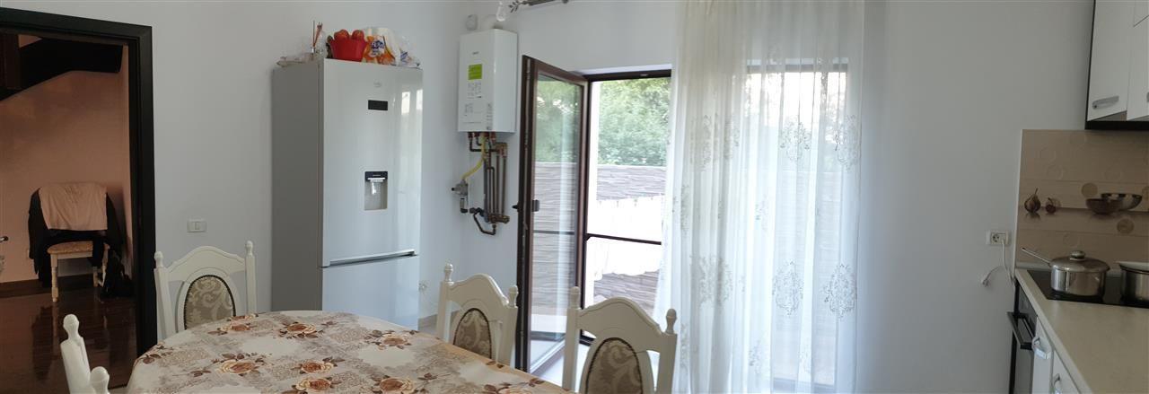 Casa tip duplex 4 camere de vanzare - ID V364 12