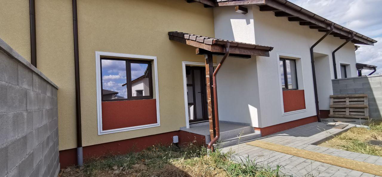 Casa tip triplex de vanzare in Giroc. 1