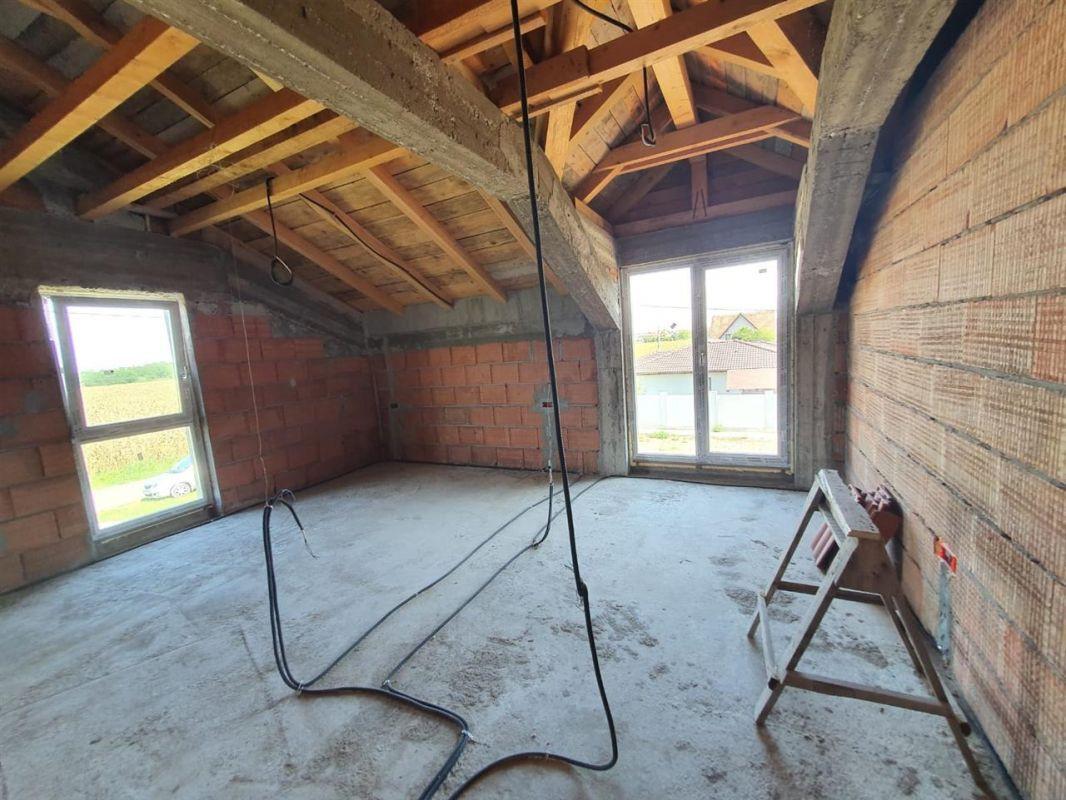 De vanzare casa tip duplex in Dumbravita - ID V439 1