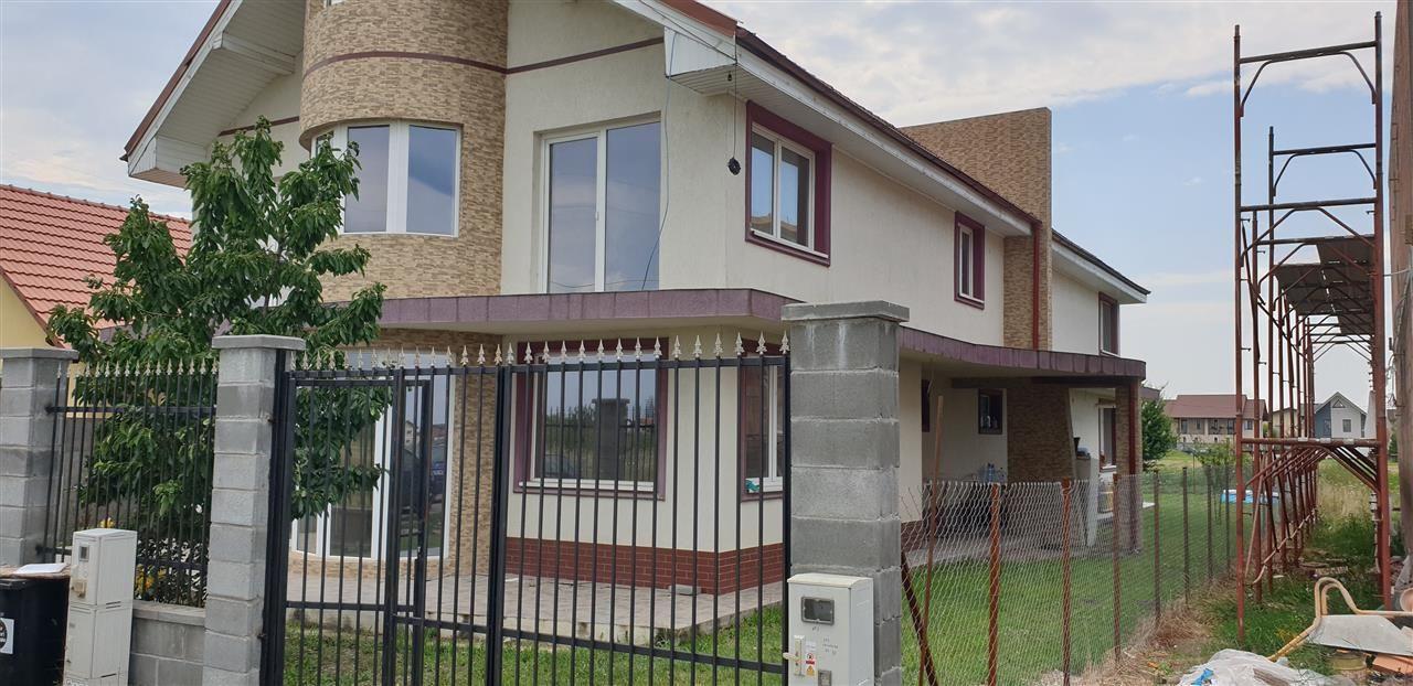 Casa tip duplex 6 camere de vanzare Mosnita Noua - ID V363 1