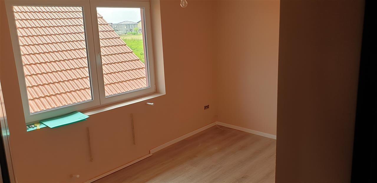 Casa tip duplex 6 camere de vanzare Mosnita Noua - ID V363 18