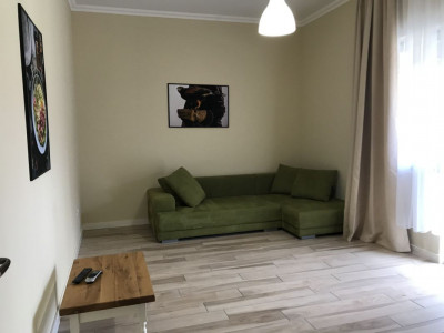Apartament cu 2 camere, decomandat, de inchiriat, zona Dumbravita