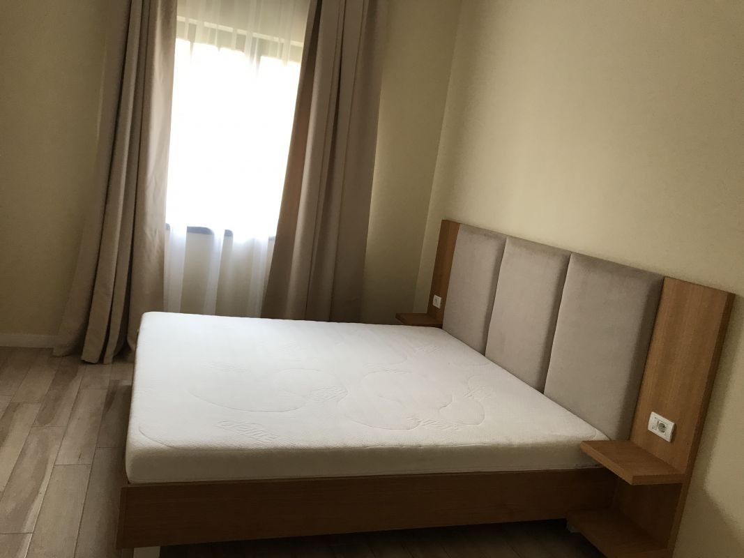 Apartament cu 2 camere, decomandat, de inchiriat, zona Dumbravita 8