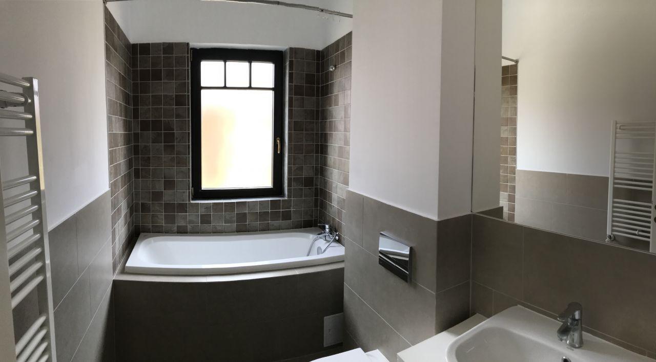 Apartament cu 2 camere, decomandat, de inchiriat, zona Dumbravita 10