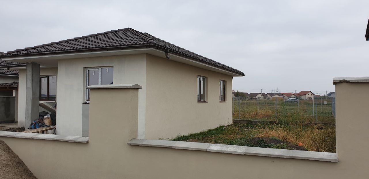 Casa tip duplex 4 camere de vanzare Mosnita Veche 1