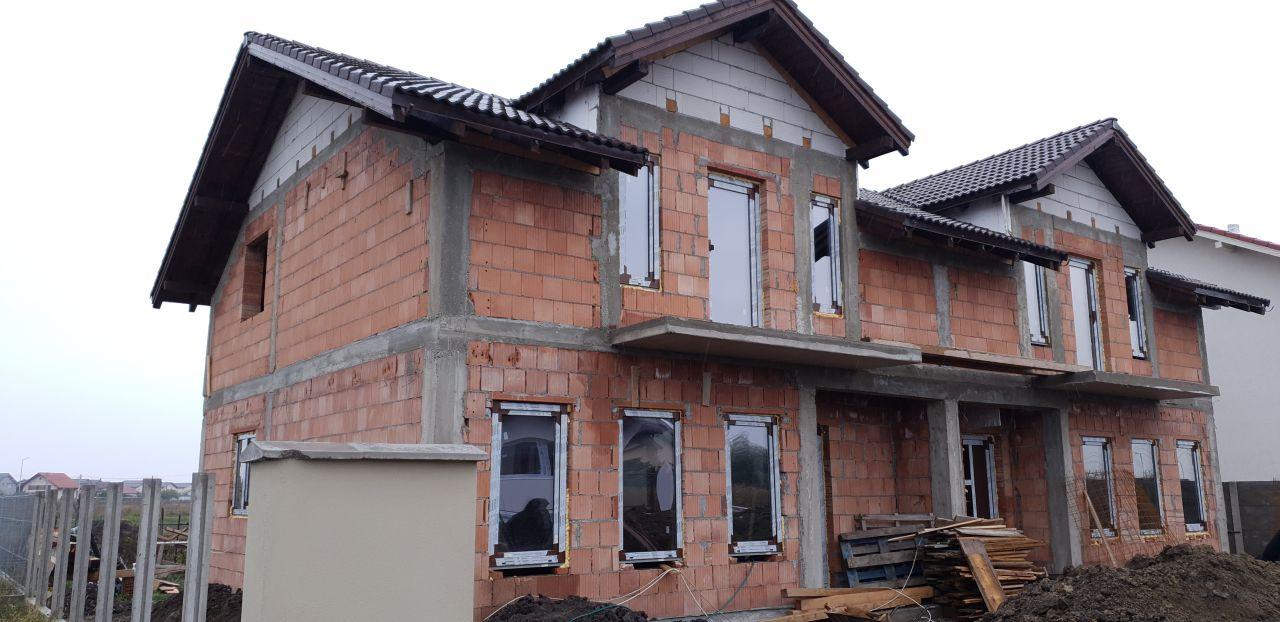 Casa tip duplex 3 camere de vanzare Mosnita Veche 1