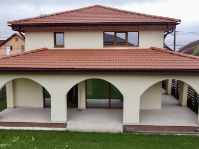 Casa individuala   Arhitectura deosebita   4 Camere   Giroc  - V630