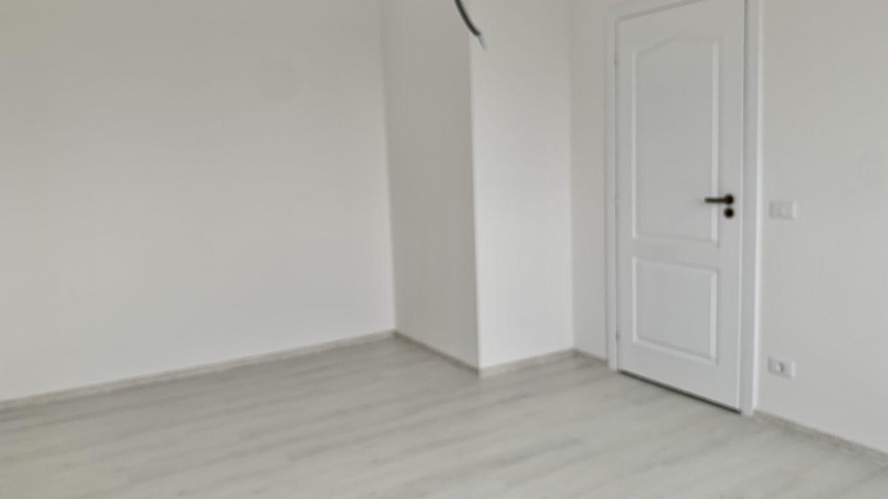 Apartament cu trei camere | Semidecomandat | Giroc 5