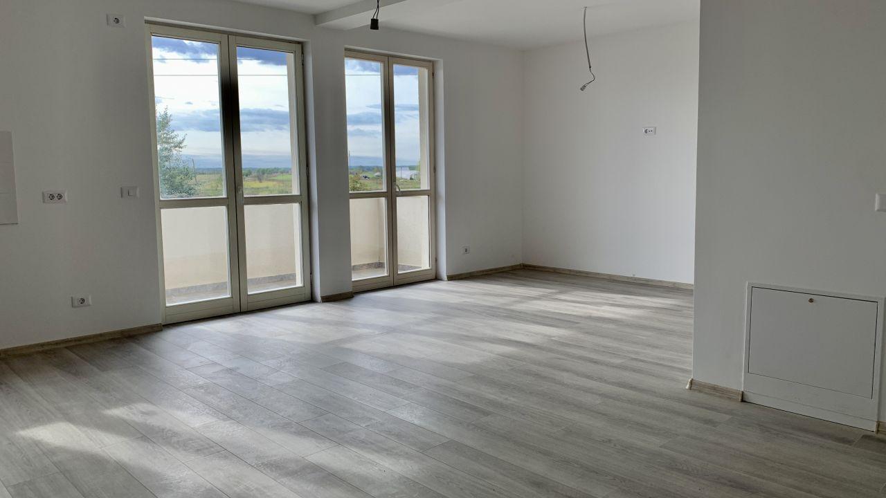 Apartament cu doua camere   Semidecomandat   Giroc 1