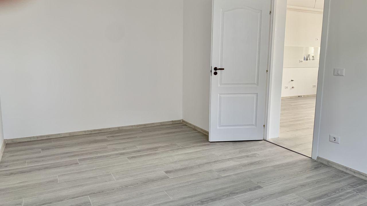 Apartament cu doua camere   Semidecomandat   Giroc 4