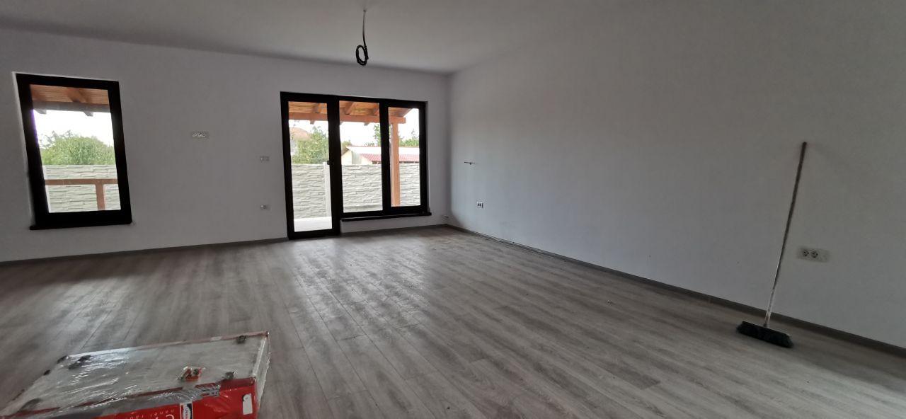 Duplex de vanzare in Mosnita Veche. 9