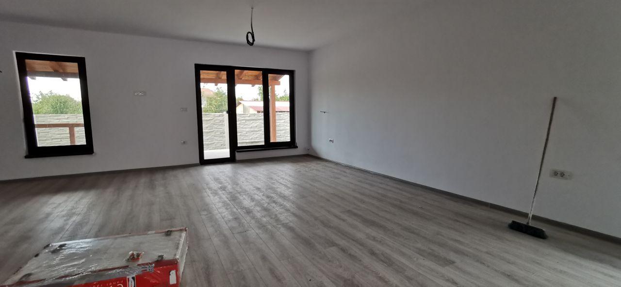 Duplex de vanzare in Mosnita Veche. 10