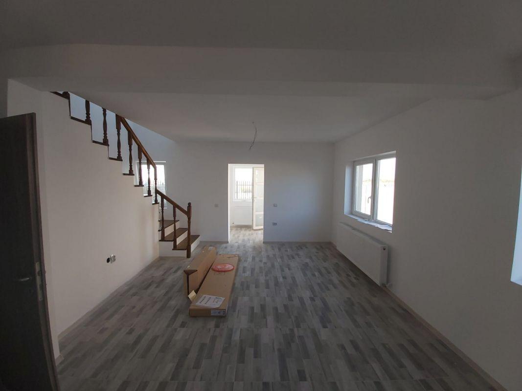 Duplex de vanzare in Bazosul Nou. 4