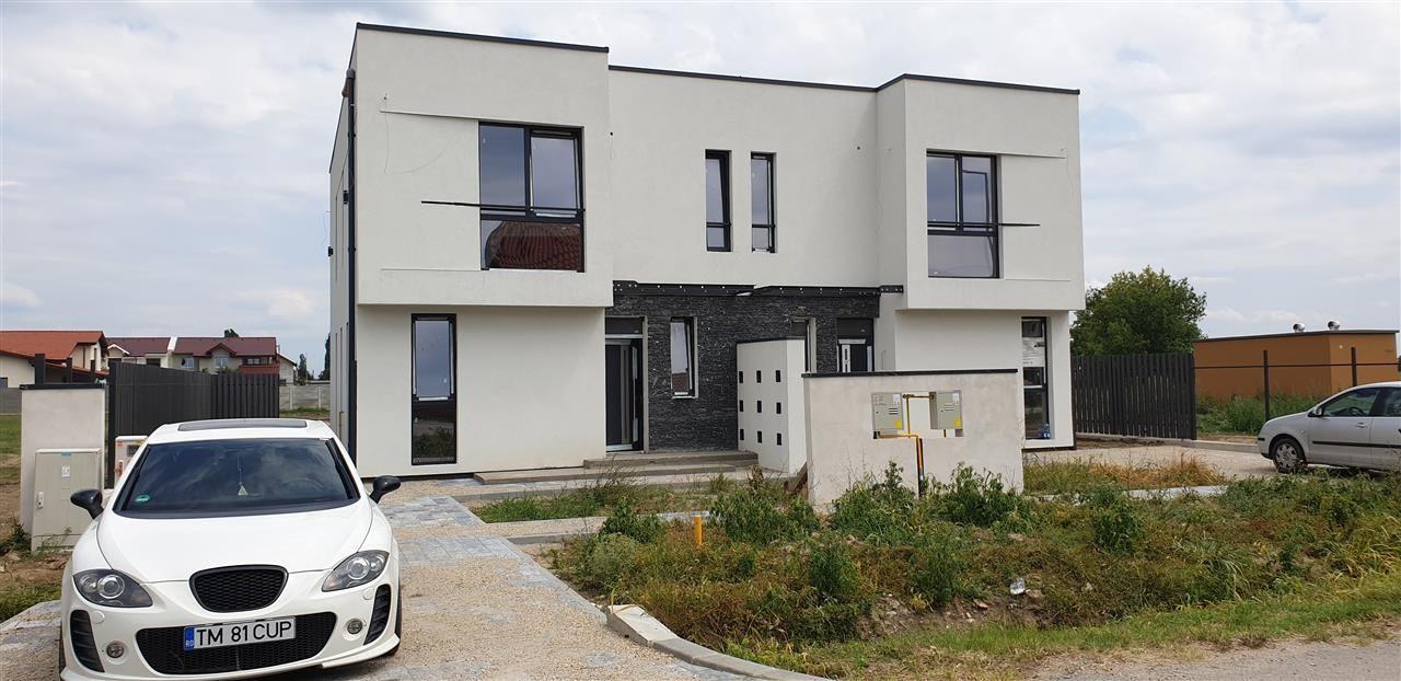 Casa tip duplex de vanzare 4 camere Mosnita Noua - ID V332 1