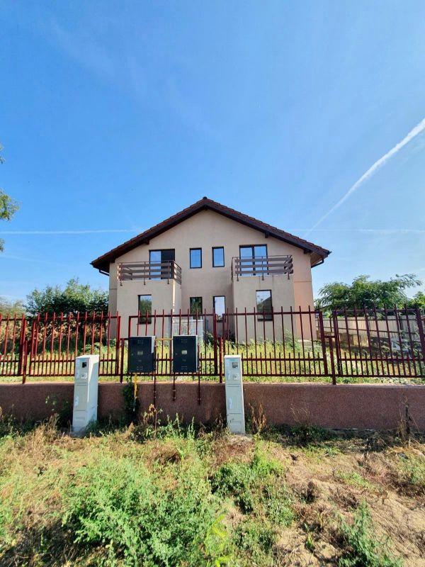 De vanzare duplex in Bucovat (Remetea Mare) - V656 11