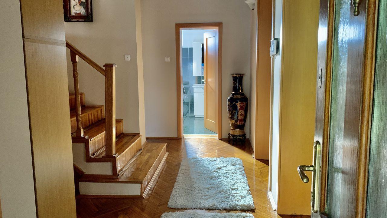 Vila deosebita | 10 Camere | Chisoda 27